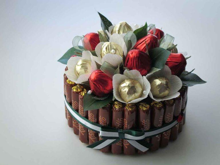 Подарки из конфет фото на день рождения