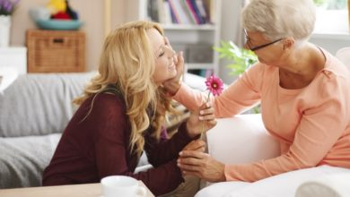 Что подарить бабушке на 8 Марта – ТОП 25 удивительных подарков!