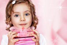 Что подарить девочке на 8 Марта. ТОП 25 необычных подарков