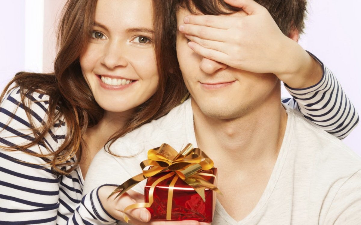 Что подарить парню на Новый год. ТОП 40 интересных идей подарков!
