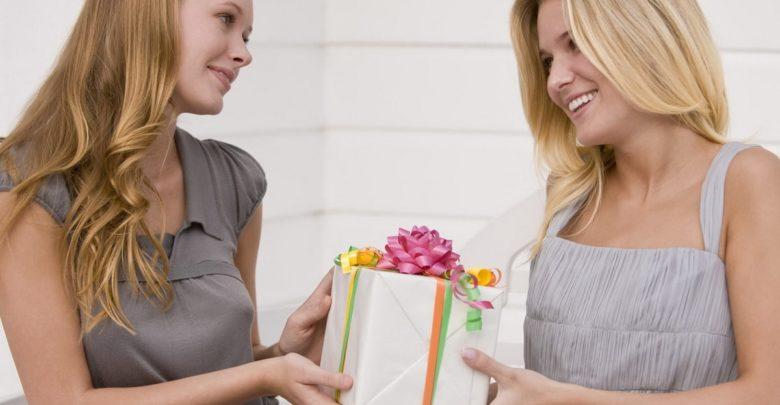Что подарить подруге на 8 Марта. 20 потрясающих идей!