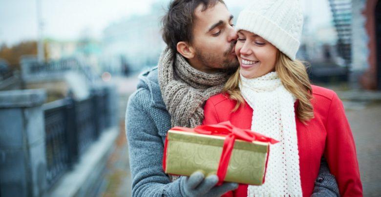 Что подарить жене на 8 Марта – 30 лучших подарков для супруги!