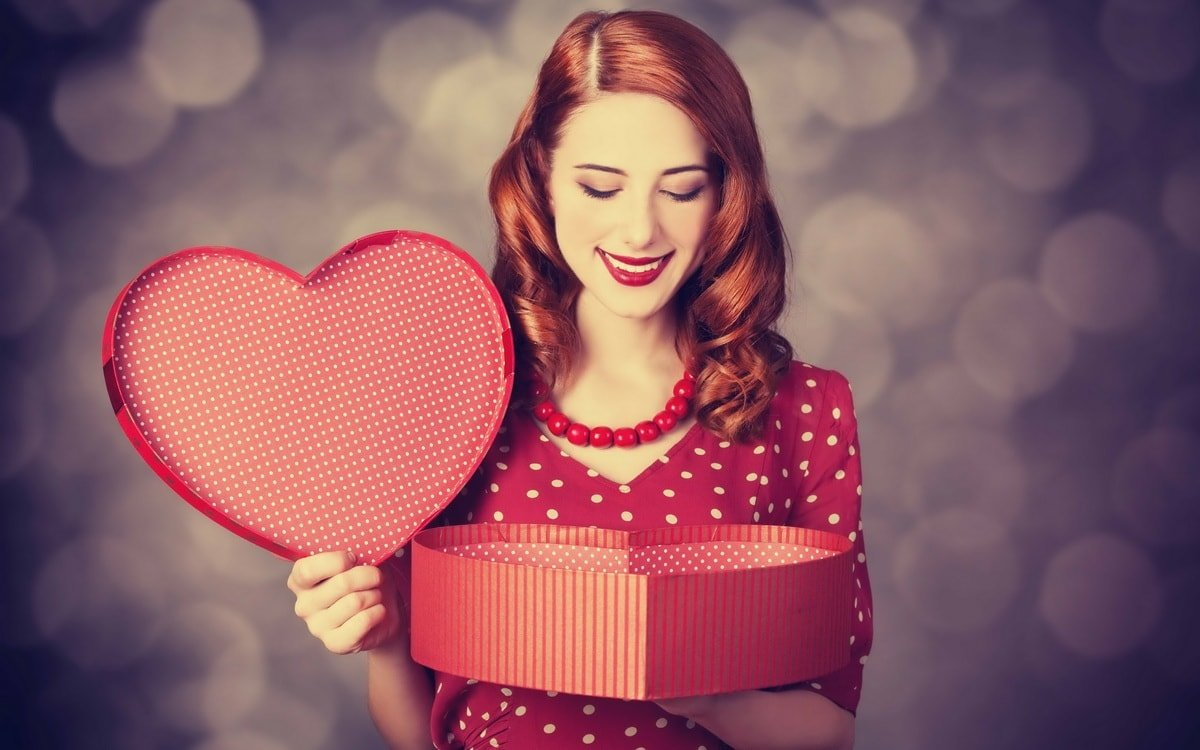 Что подарить женщине на 14 февраля. 25 классных подарков!