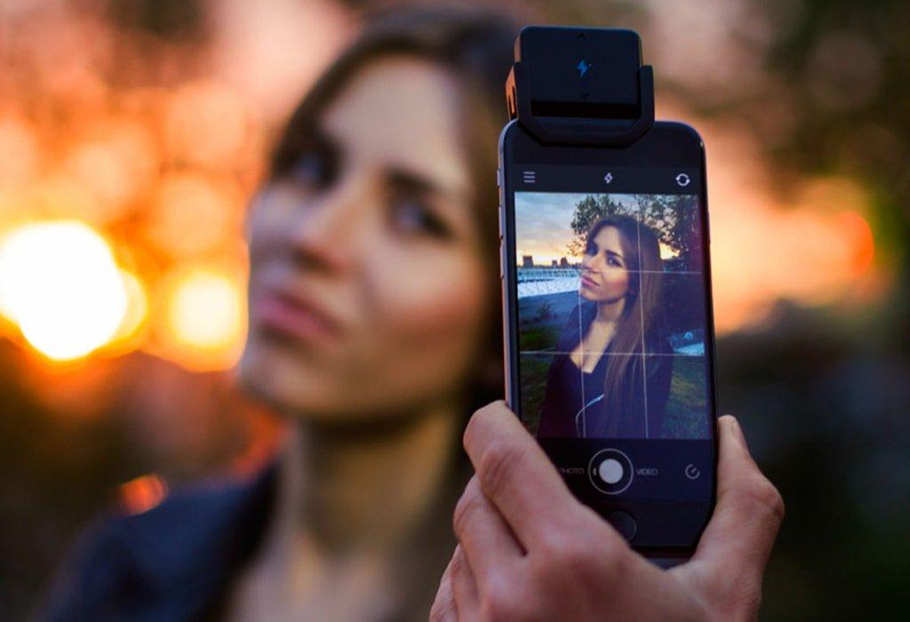 Мощная вспышка для смартфона