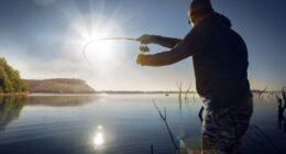 Что-подарить-рыбаку-на-Новый-год